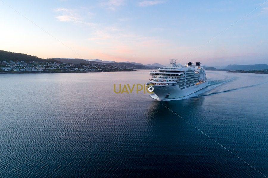 Seabourn Ovation-11.jpg - Uavpic