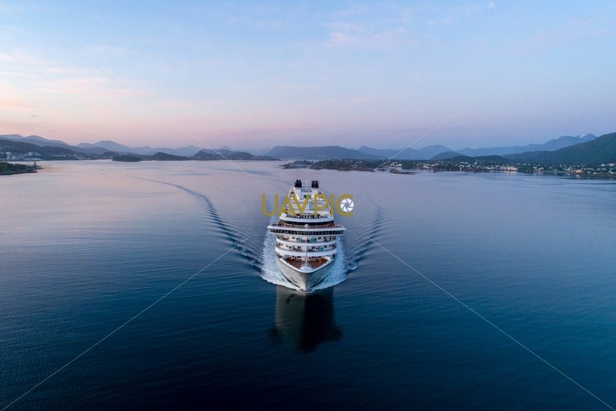 Seabourn Ovation-9.jpg - Uavpic