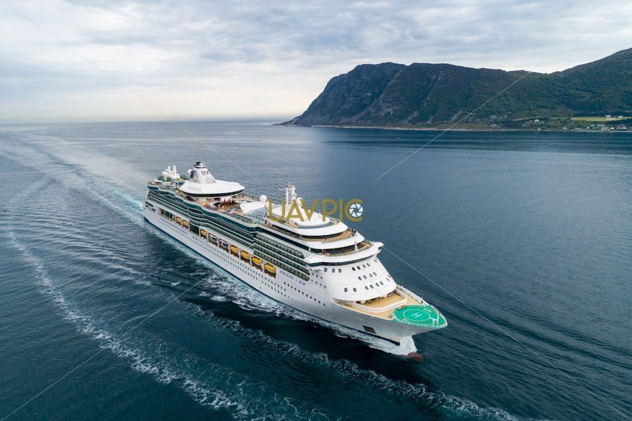 Serenade of the Seas (2).jpg - Uavpic