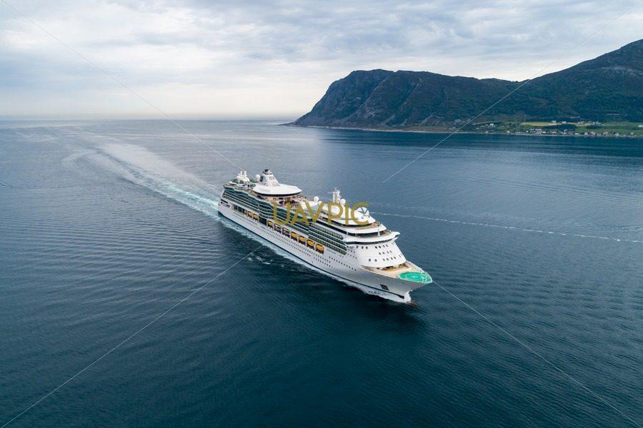 Serenade of the Seas (4).jpg - Uavpic