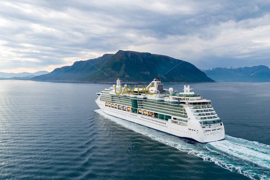 Serenade of the Seas (7).jpg - Uavpic