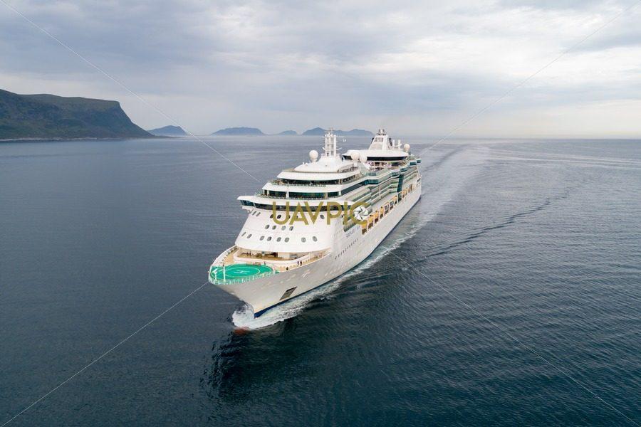 Serenade of the Seas new-4.jpg - Uavpic