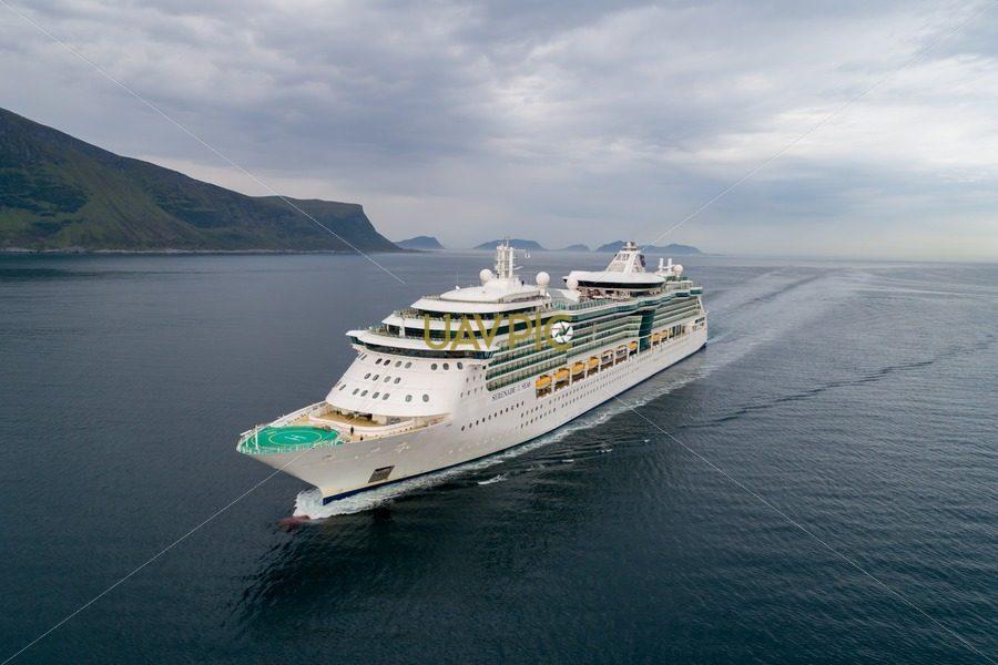 Serenade of the Seas new-5.jpg - Uavpic