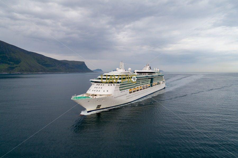 Serenade of the Seas new-6.jpg - Uavpic