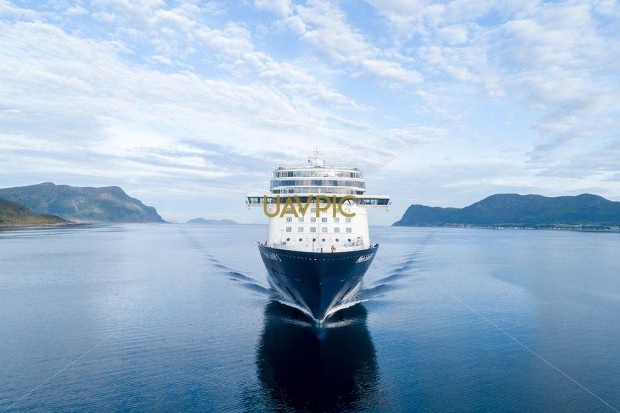 Mein Schiff 3-5.jpg - Uavpic