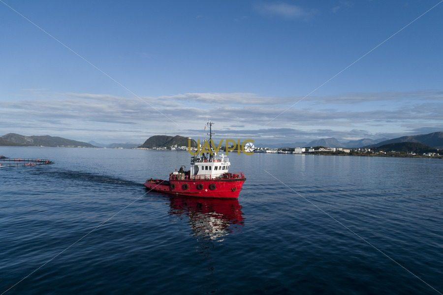 Polar Tug 947.jpg - Uavpic