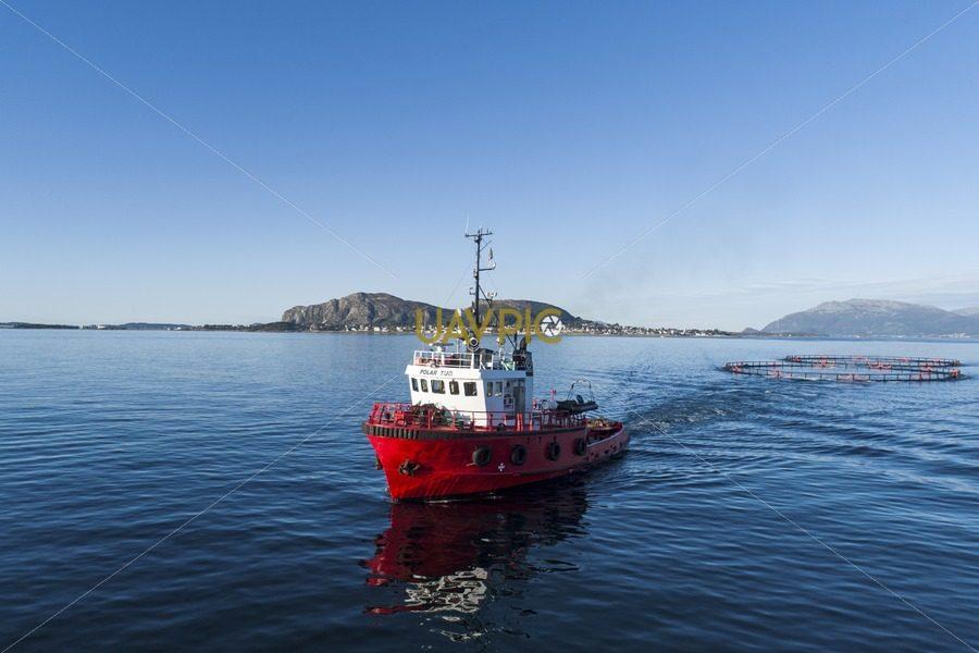 Polar Tug HDR 941.jpg - Uavpic
