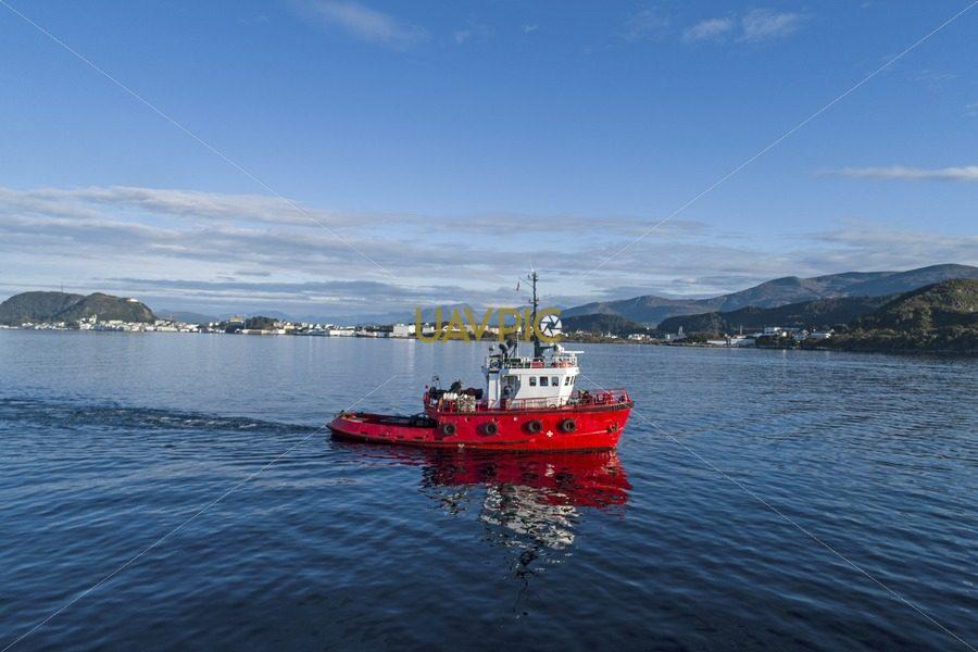 Polar Tug HDR 948.jpg - Uavpic