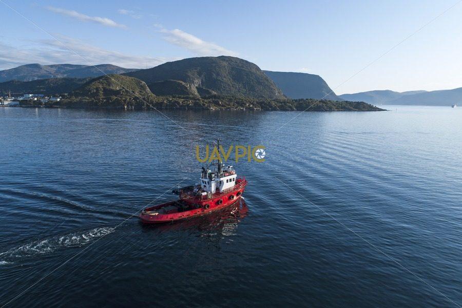 Polar Tug HDR 952.jpg - Uavpic