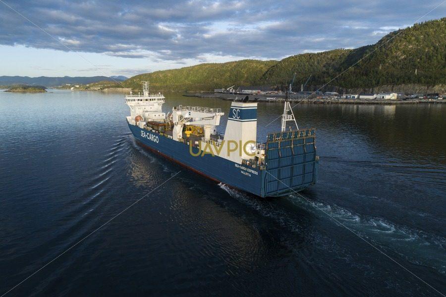 SeaCargo Express 132.jpg - Uavpic