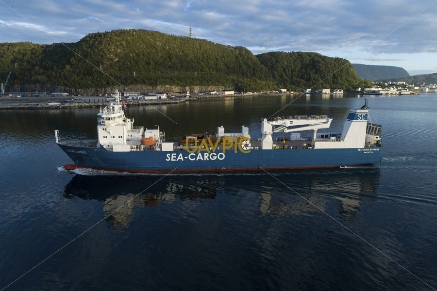 SeaCargo Express 134.jpg - Uavpic