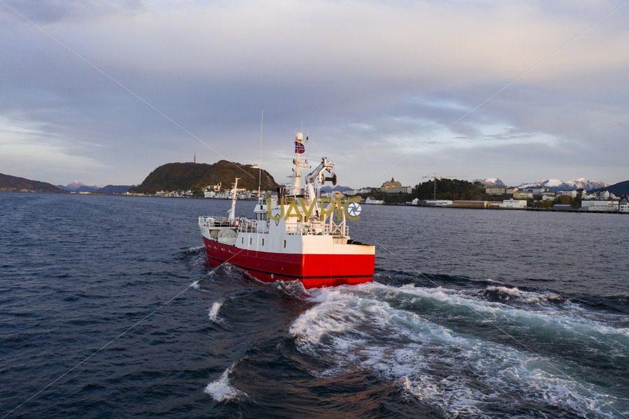 Atløy Viking 285.jpg - Uavpic