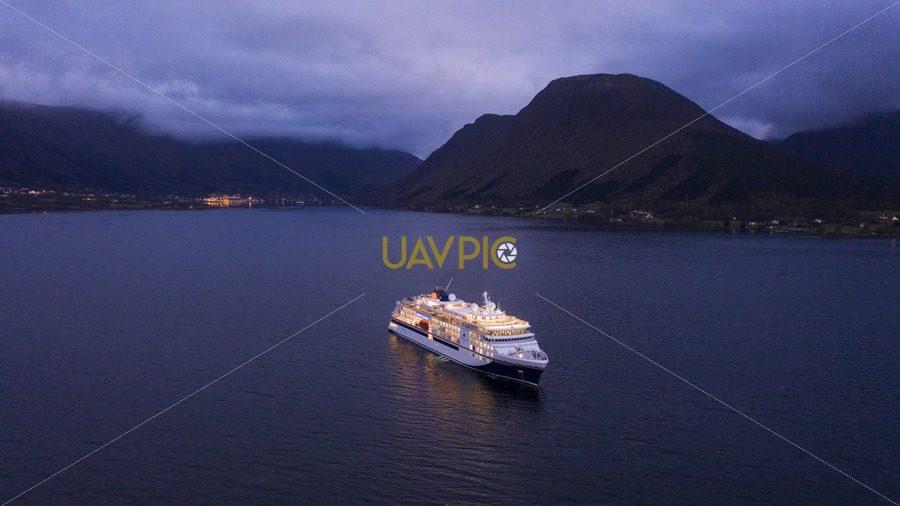 Hanseatic Inspiration 504.jpg - Uavpic