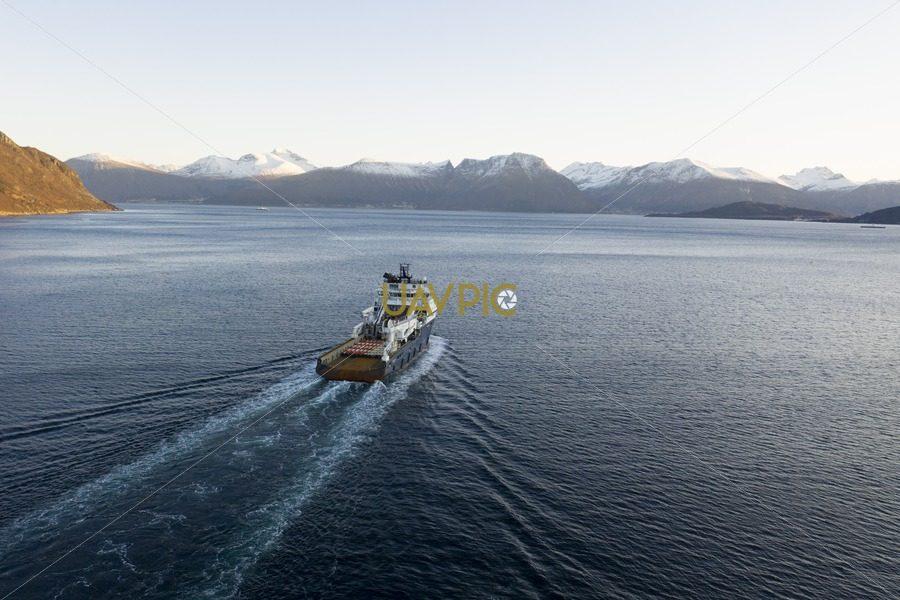 Island Valiant 480.jpg - Uavpic