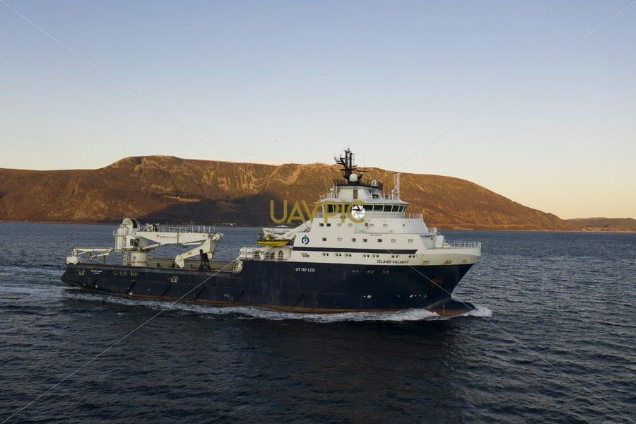 Island Valiant 482.jpg - Uavpic