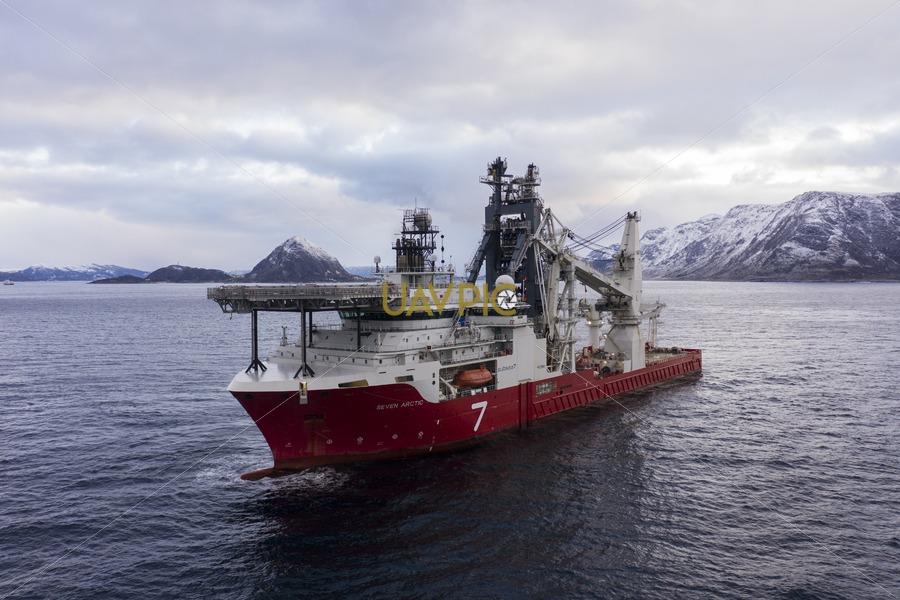 Seven Arctic 52.jpg - Uavpic