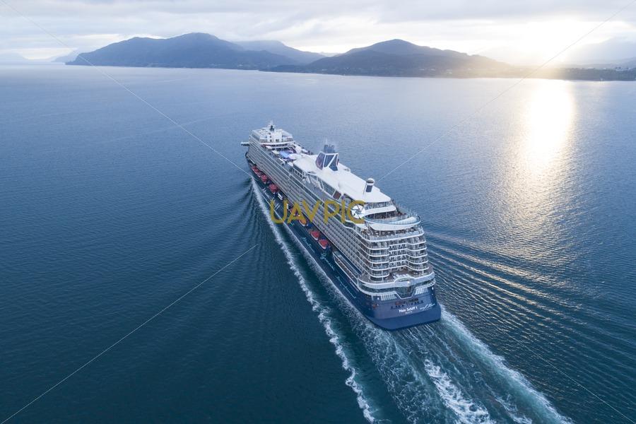 Mein Schiff 1 123.jpg - Uavpic