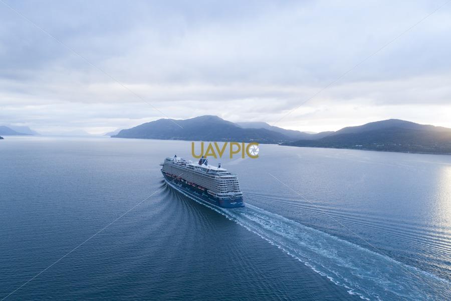 Mein Schiff 1 134.jpg - Uavpic