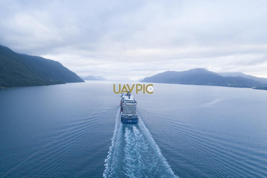 Mein Schiff 1 136.jpg - Uavpic