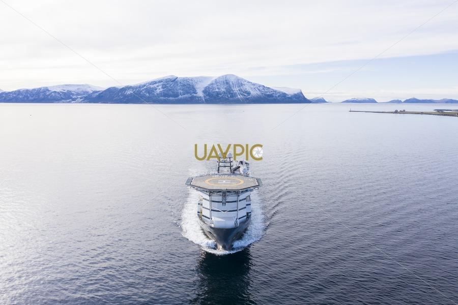 Olympic Commander 979.jpg - Uavpic