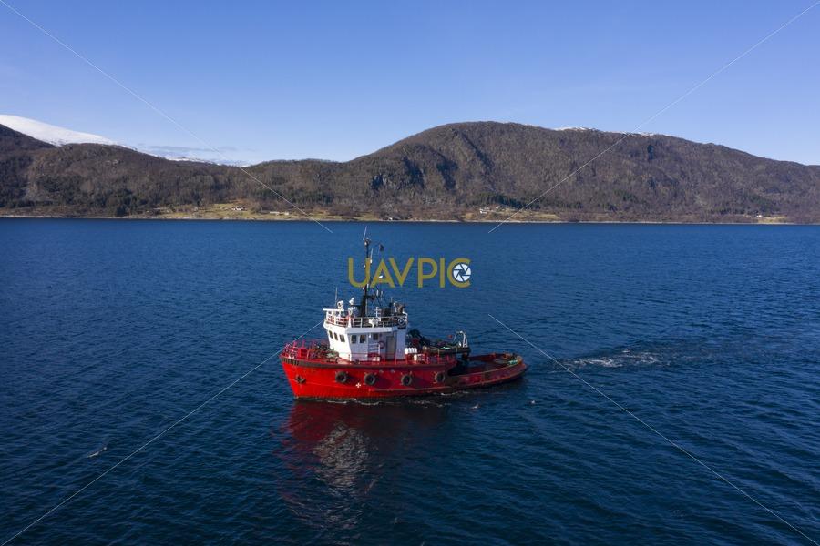 Polar Tug 531.jpg - Uavpic