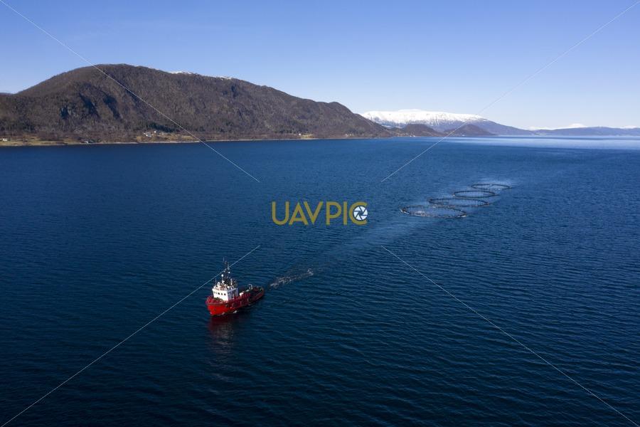 Polar Tug 544.jpg - Uavpic