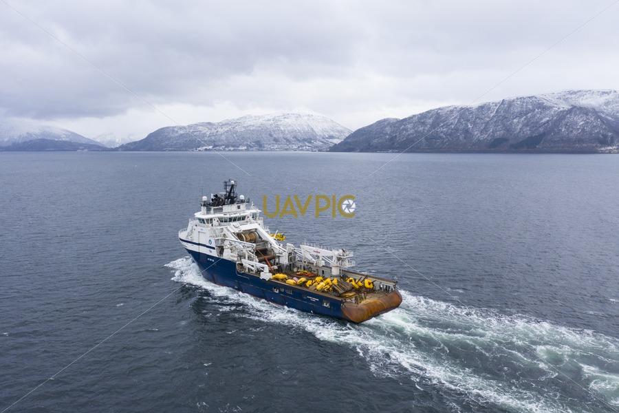 Island Vanguard 292.jpg - Uavpic