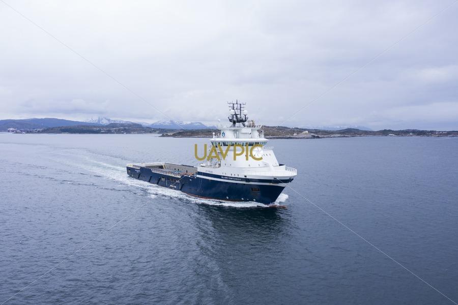 Island Contender 277.jpg - Uavpic