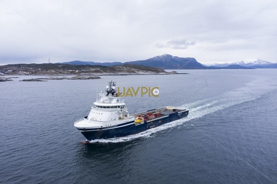 Island Contender 281.jpg - Uavpic