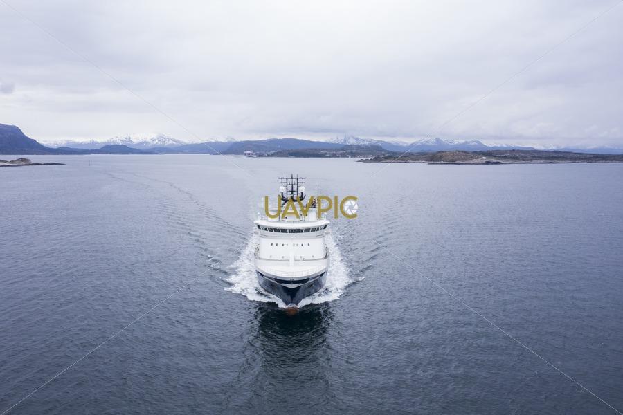 Island Contender 283.jpg - Uavpic