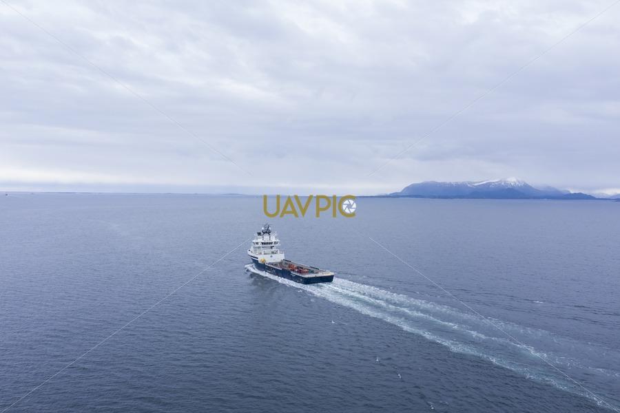 Island Contender 294.jpg - Uavpic