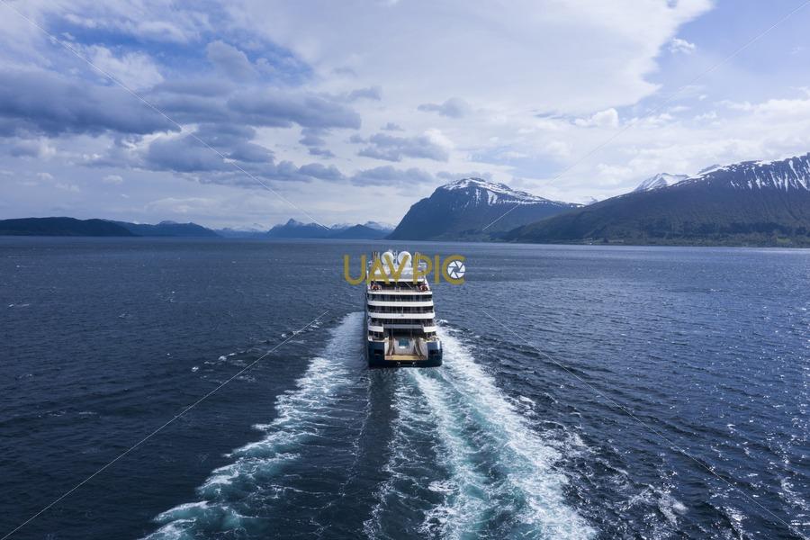 Le Jacques Cartier 771.jpg - Uavpic
