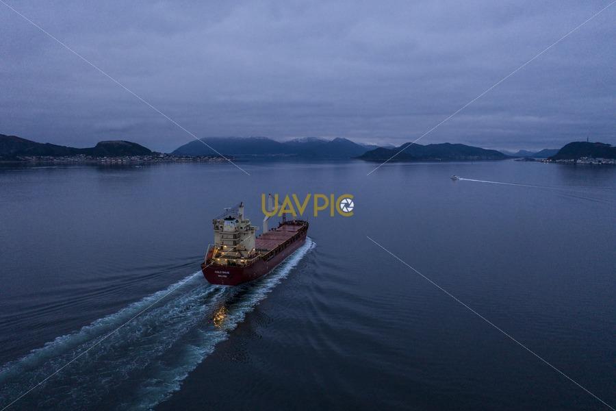 Oslo Wave 901.jpg - Uavpic