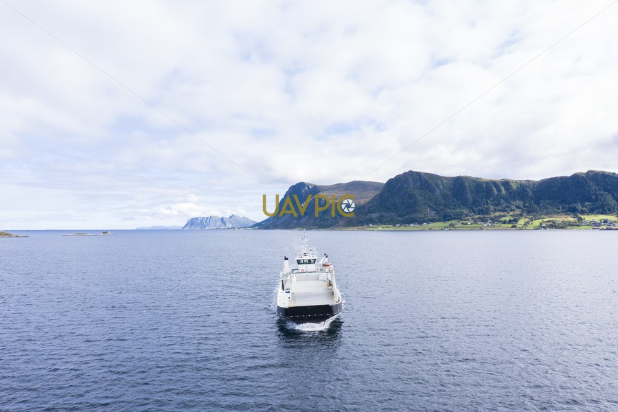 Polar Lady 308.jpg - Uavpic