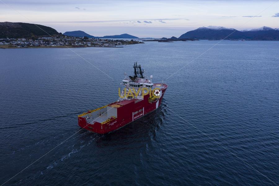 Ocean Response 299.jpg - Uavpic