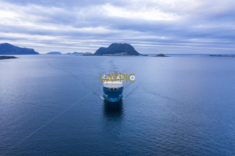 North Sea Giant 623.jpg - Uavpic