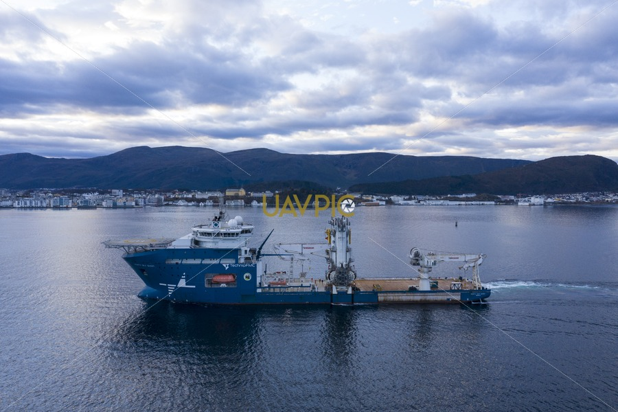 North Sea Giant 633.jpg - Uavpic