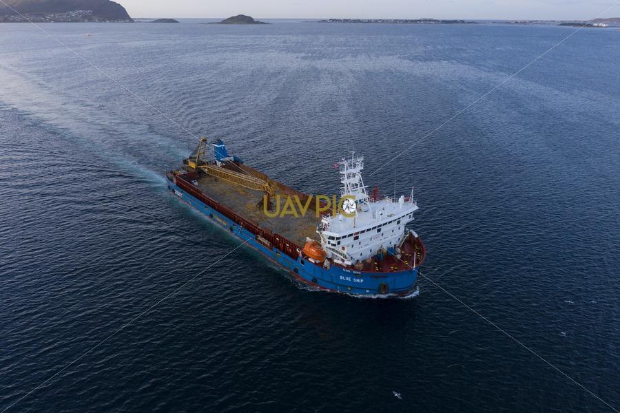 Blue Ship 211.jpg - Uavpic
