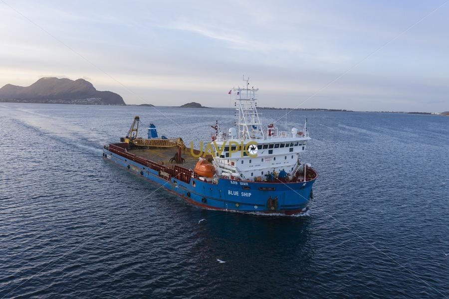Blue Ship 215.jpg - Uavpic