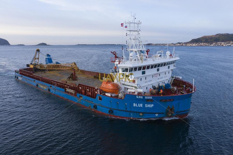 Blue Ship 227.jpg - Uavpic