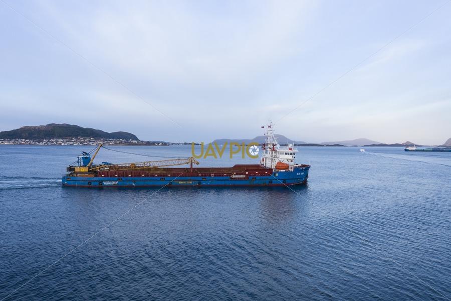 Blue Ship 230.jpg - Uavpic