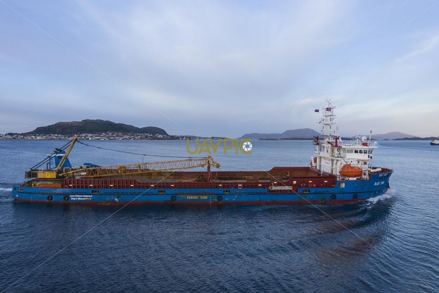 Blue Ship 232.jpg - Uavpic