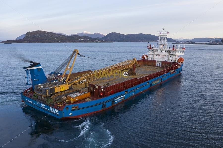 Blue Ship 249.jpg - Uavpic