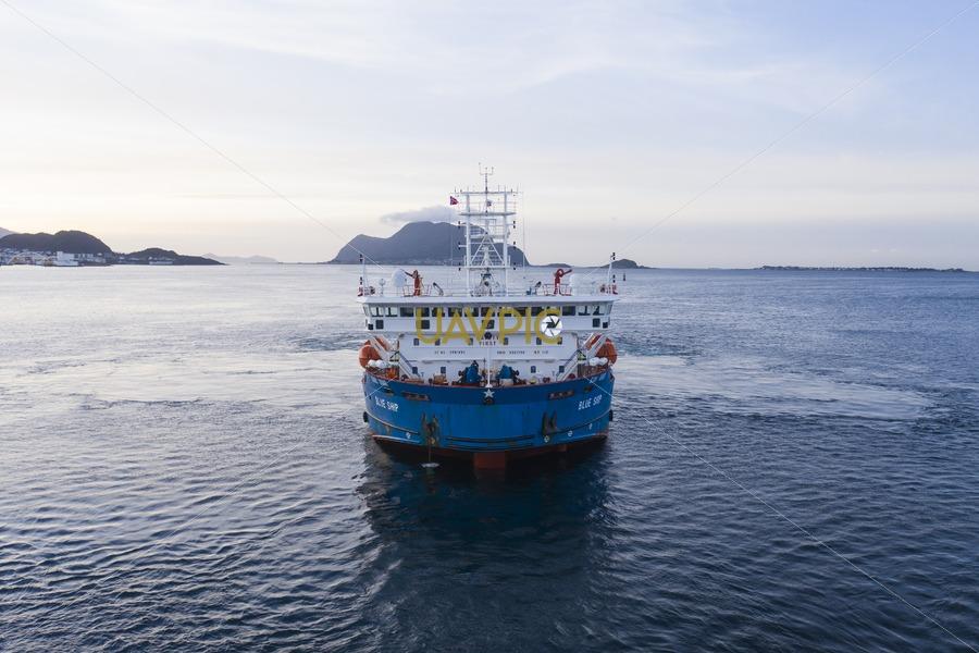 Blue Ship 255.jpg - Uavpic