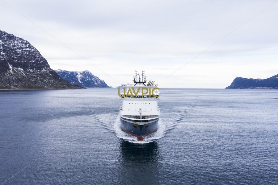 Island Challenger 300.jpg - Uavpic