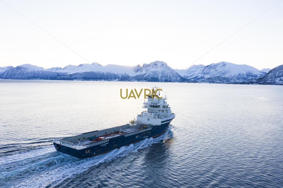 Island Crusader 378.jpg - Uavpic