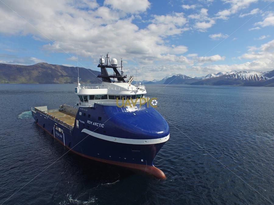Rem Arctic 323.jpg - Uavpic