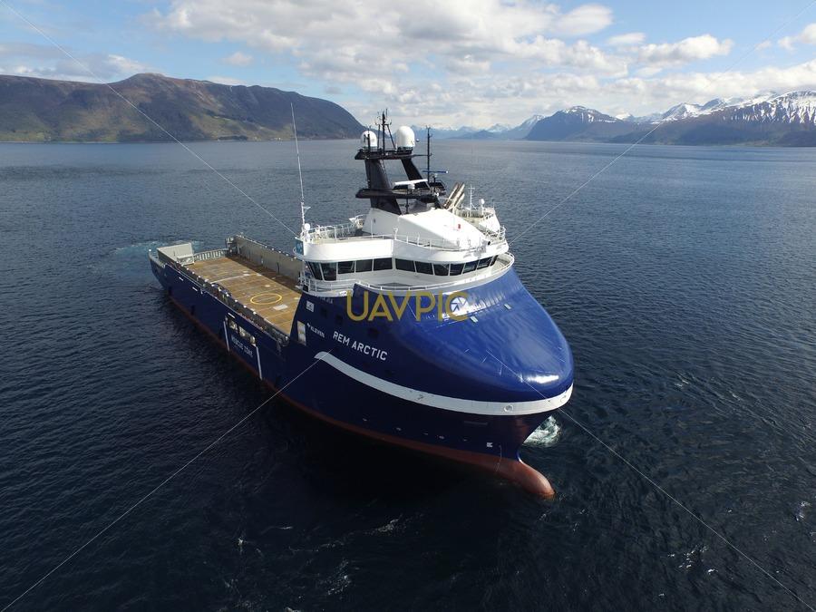 Rem Arctic 324.jpg - Uavpic