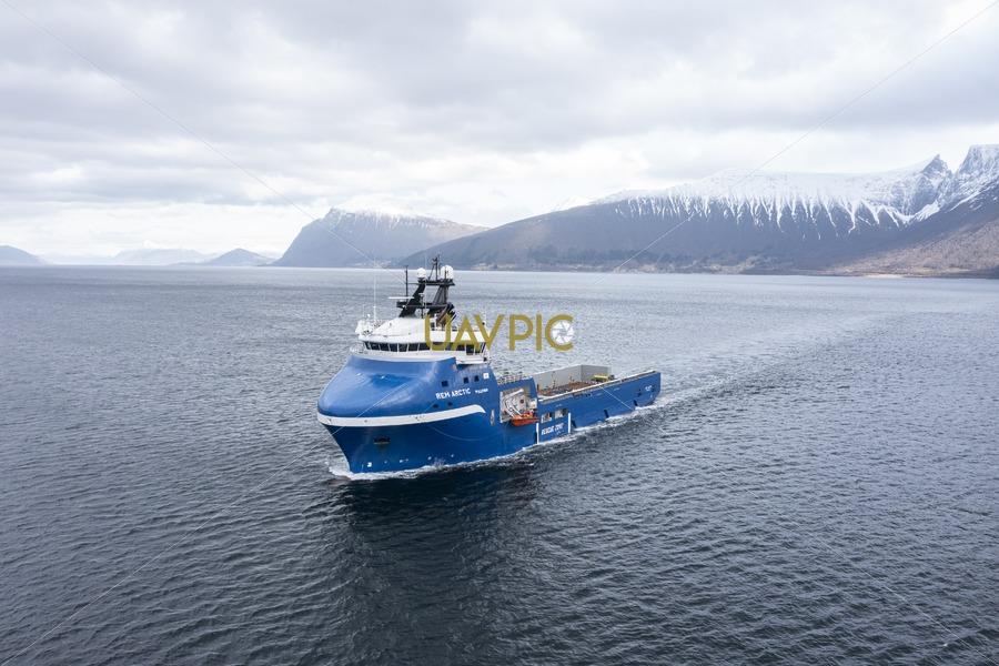 Rem Arctic 652.jpg - Uavpic