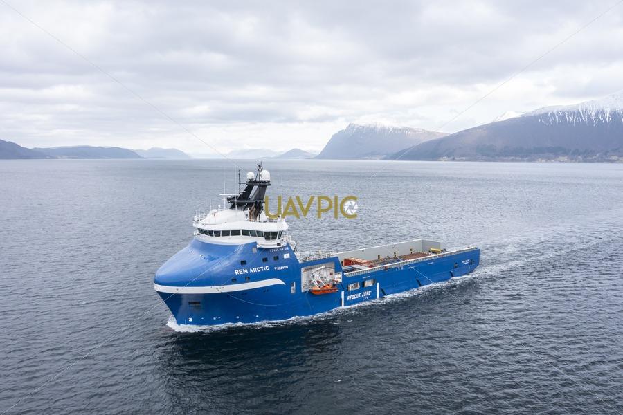 Rem Arctic 653.jpg - Uavpic